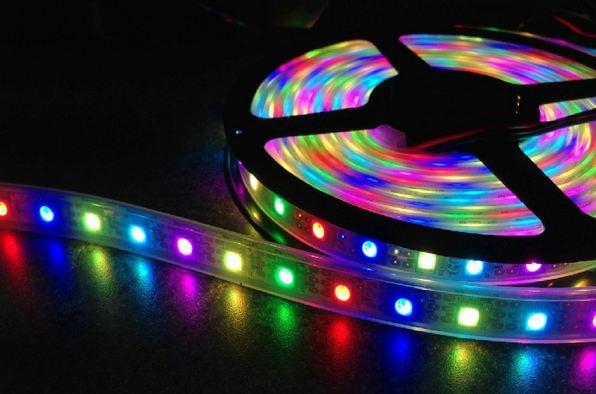 Banda cu leduri multicolore de 5 metri si telecomanda for Tiras led de colores