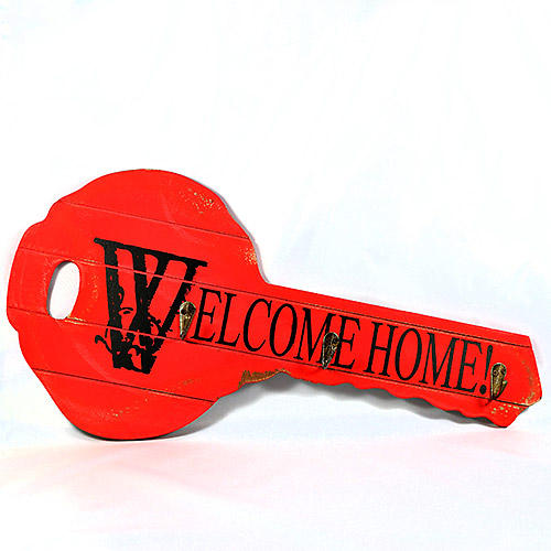 "Cuier "" Welcome "" in forma de Cheie"